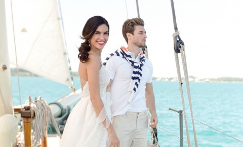 Bermuda destination wedding on a sailboat
