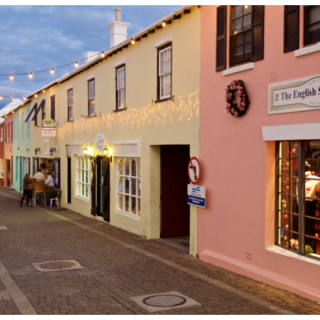 bermuda shops and outdoor dining scene