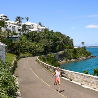 World Champion Flora Duffy, training in Bermuda for the ITU World Triathlon Bermuda