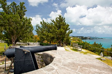 old cannon at Fort Scaur