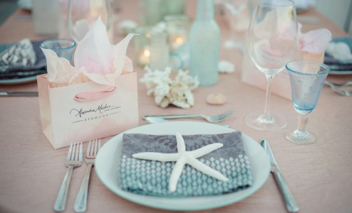 Group Gifting - We specialise in group gifting, whether it's your wedding, family reunion, or a large corporate group, we've got the perfect Bermuda gifts for girls and guys.